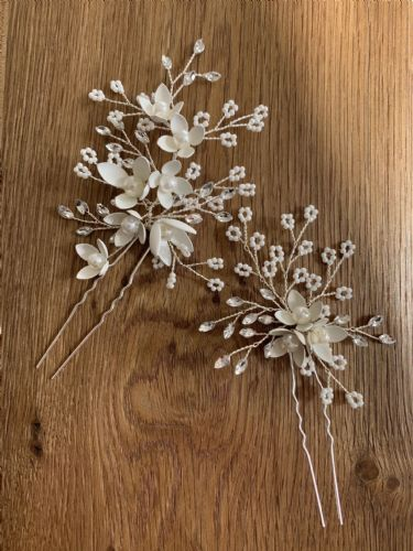 Daisy 2pcs Floral Hair Pin Set